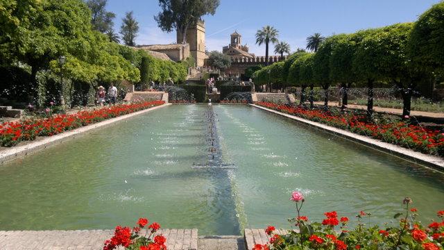 La zisa come i giardini dell alcazar di cordoba mobilita for Esempi di giardini