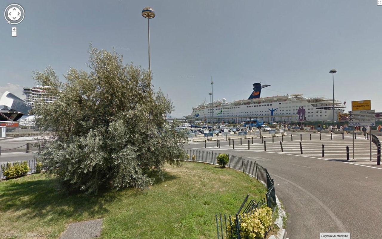 rotatoria ll'ingresso del porto