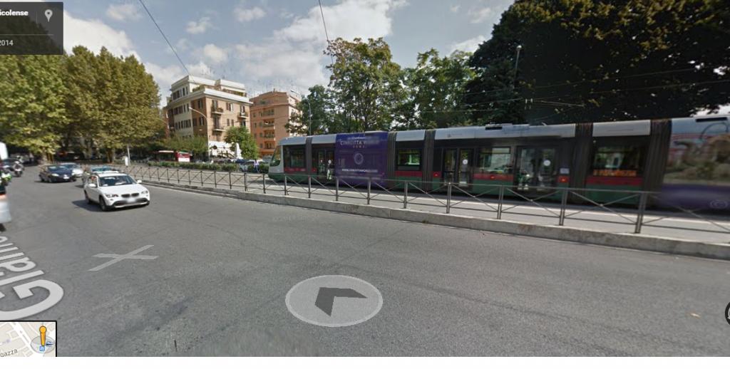 Roma tram-1