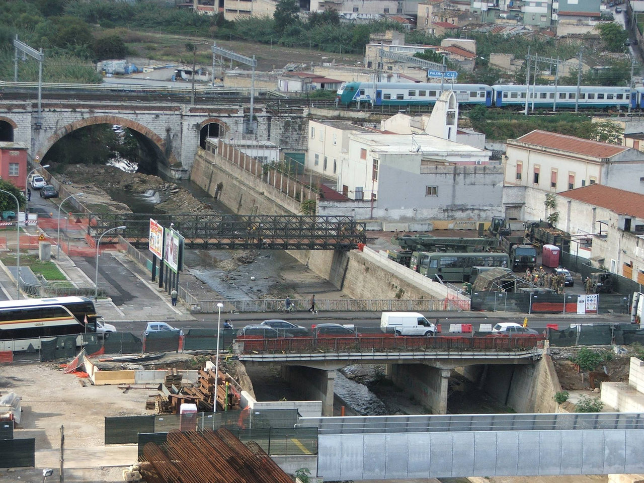 Piazza scaffa completato il nuovo ponte militare bailey for Mobilita palermo