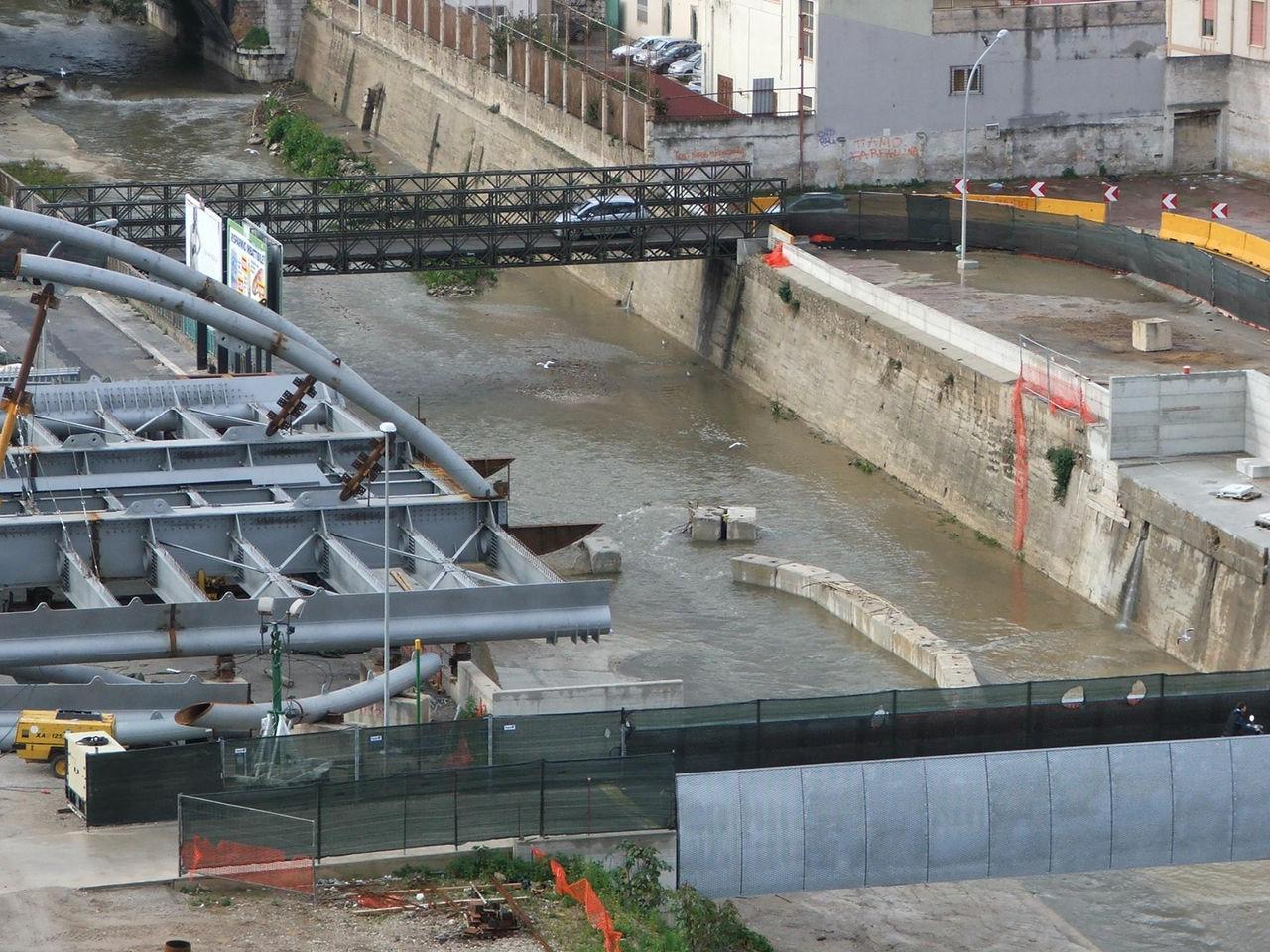 foto ponte tranviario l installazione degli archi