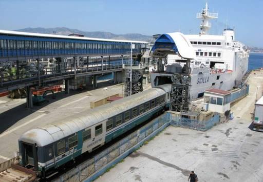 I-traghetti-dello-Stretto-bloccati-per-protesta-039a347958f57ff7fc590c6c80cb5d23