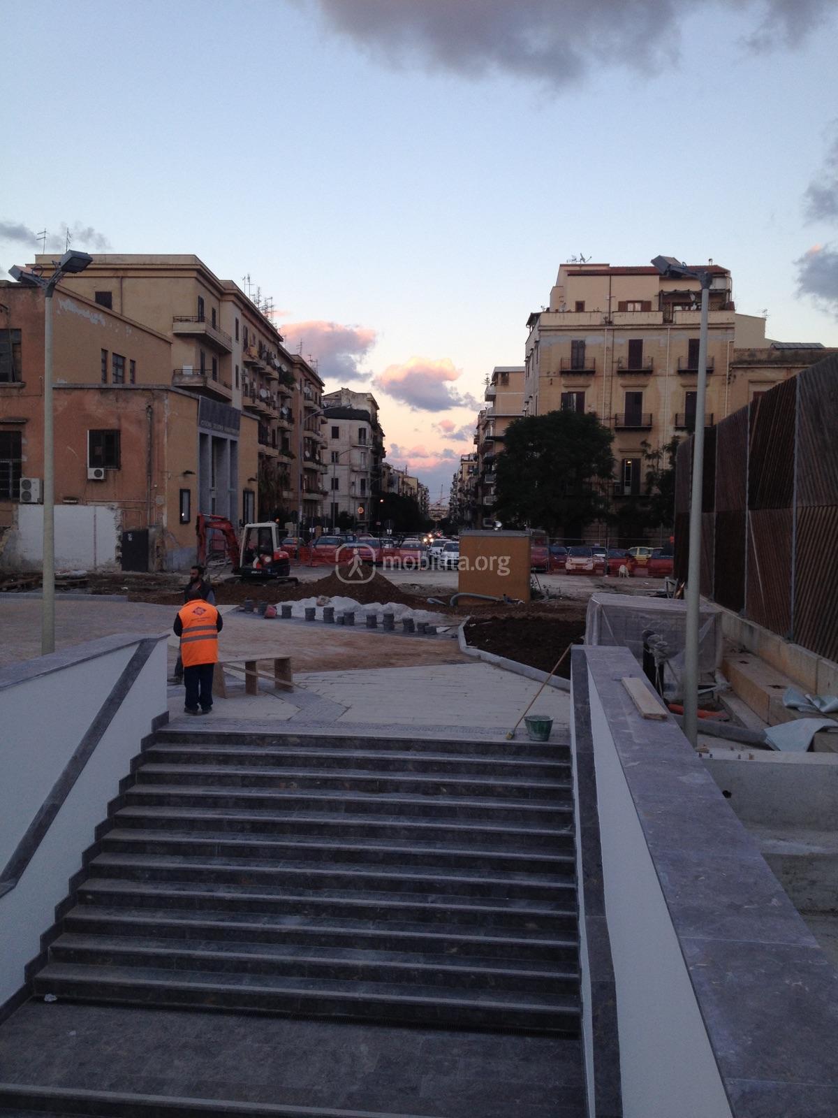 Ingresso principale piazza lolli mobilita palermo for Mobilita palermo