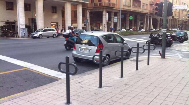 Genova-rastrelliere-cicloposteggi
