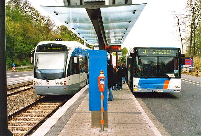 Bus Linee Periferiche Maggiore Coincidenza Con Il Tram