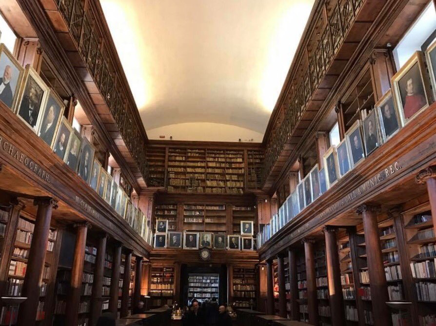 Orari e servizi riaperta la biblioteca comunale di casa - Biblioteca l eliana ...