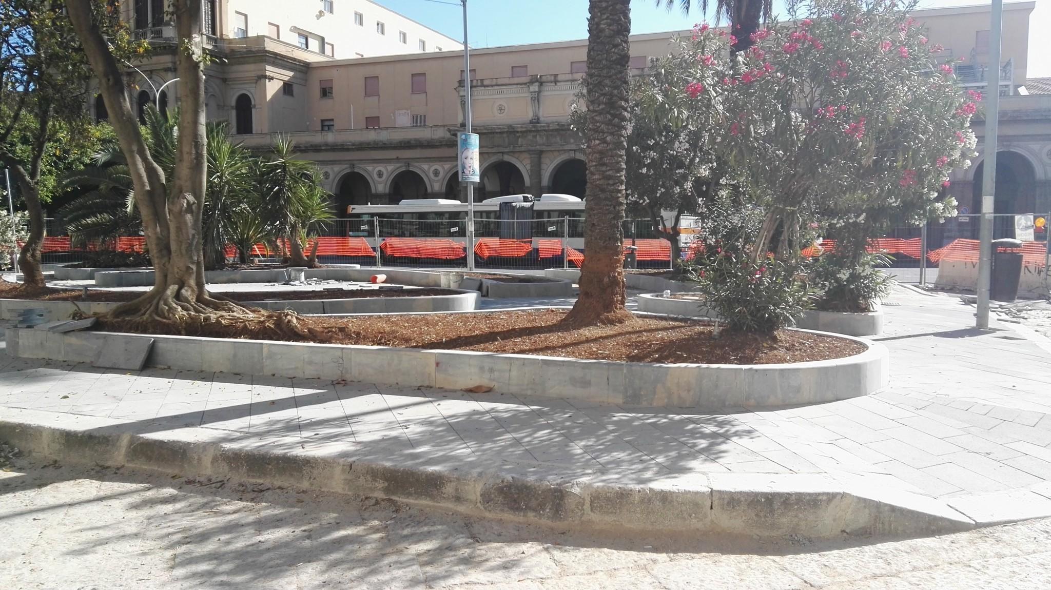 Piazza cupani posata la nuova pavimentazione mobilita for Mobilita palermo