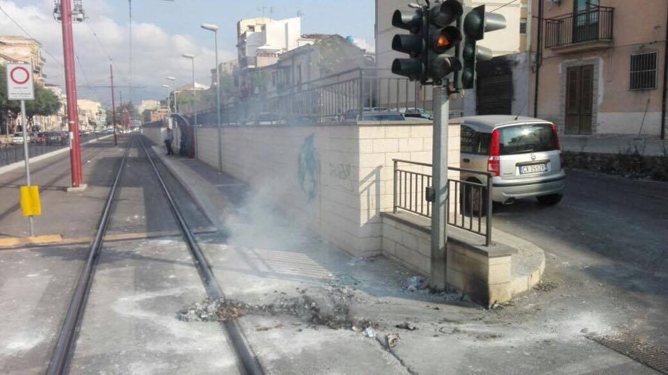 Ancora atti vandalici contro i tram della linea 1 for Mobilita palermo