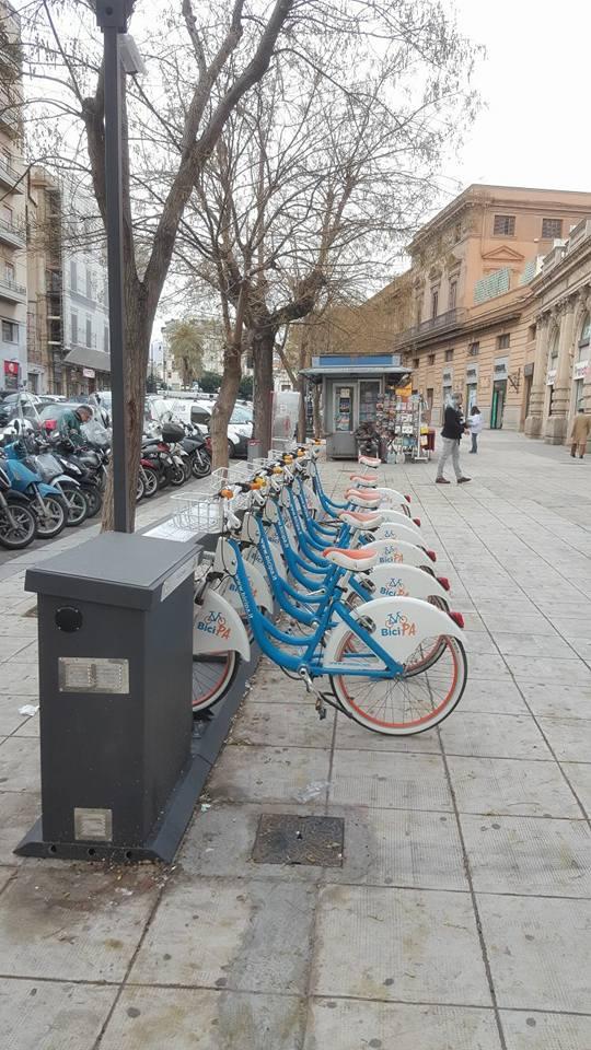 Foto bicipa attivata la nuova ciclostazione in via for Mobilita palermo